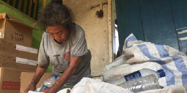 5 Tahun Menabung, Pemulung Botol Plastik Ini Akan Kurban Sapi