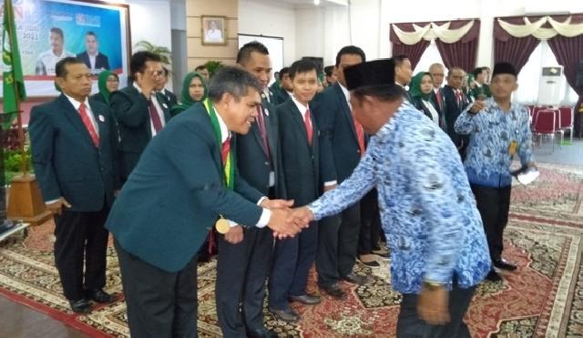 Ketua IDI Riau Lantik Pengurus IDI Cabang Rohil Periode 2018-2021