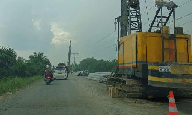 Pelebaran Jalan Jalur Dua di Pasar Air Molek Mulai Dikerjakan Pemprov Riau
