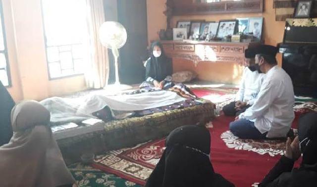 Gubri dan Wagubri Melayat ke Rumah Duka Datuk Seri Al Azhar