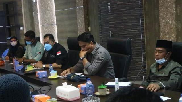 Komisi I DPRD Minta PMD Sosialisasikan Juklak BLT DD Dengan Optimal