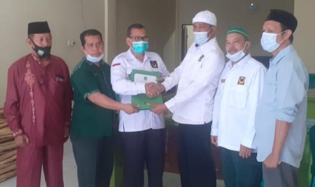 Ketua DPW PBB Riau Serahkan SK 14 PAC PBB se-Kabupaten Siak
