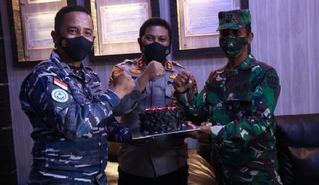 Ke Mako Posal, Kapolres Kepulauan Meranti Ucapkan Selamat Ulang Tahun TNI AL