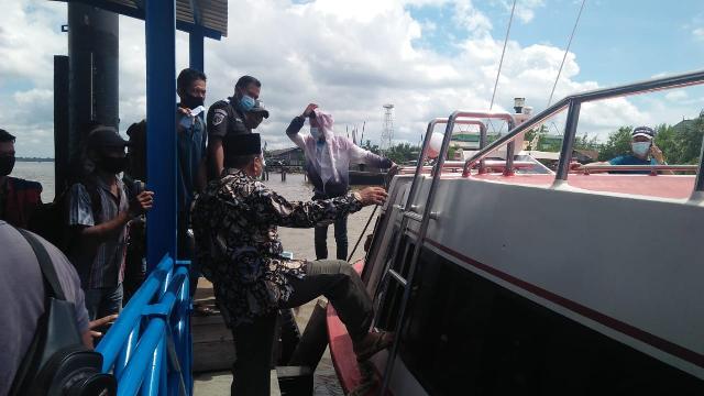 Ketika Purnawirawan Polisi Protes Petugas di Pelabuhan Selatpanjang Soal Prokes Covid 19