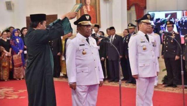 Wan Thamrin Hasyim Resmi Gubernur Riau Definitif