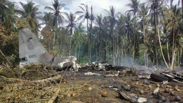Pesawat Militer Jatuh dan Terbakar, 45 Orang Tewas