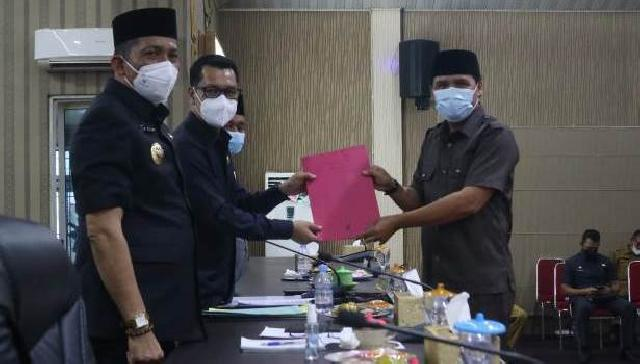 Fraksi-Fraksi DPRD Meranti Sampaikan Pandangan Umum Ranperda RPJMD