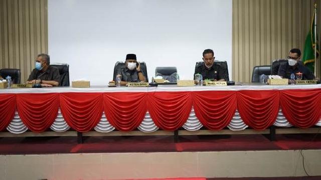 Fraksi DPRD Meranti Sampaikan Pandangan Umum Terhadap Ranperda Perubahan APBD 2021
