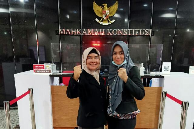 Kuasa Hukum Mahmuzin - Nuriman Lengkapi Bukti Laporan ke Mahkamah Konstitusi